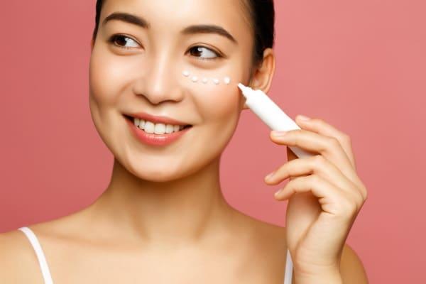 10 Steps Of Korean Skincare Routine Step 8 Eye Cream 1614973256428