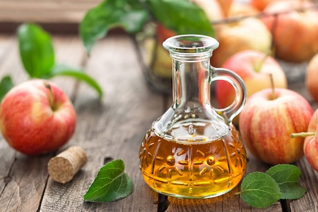 Apple Cider Vinegar: Benefits, Side Effects, and Uses In Kitchen Recipes and Beauty Remedies