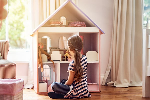 Best Dollhouse Accessories: Detailing The Dream House For Your Dolls