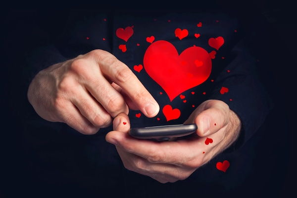 Online Dating: The Modern Romance In Times of Corona