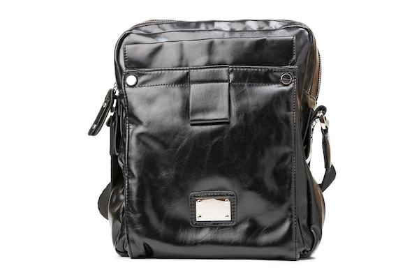 Trendy And Stylish Messenger Bags For Men