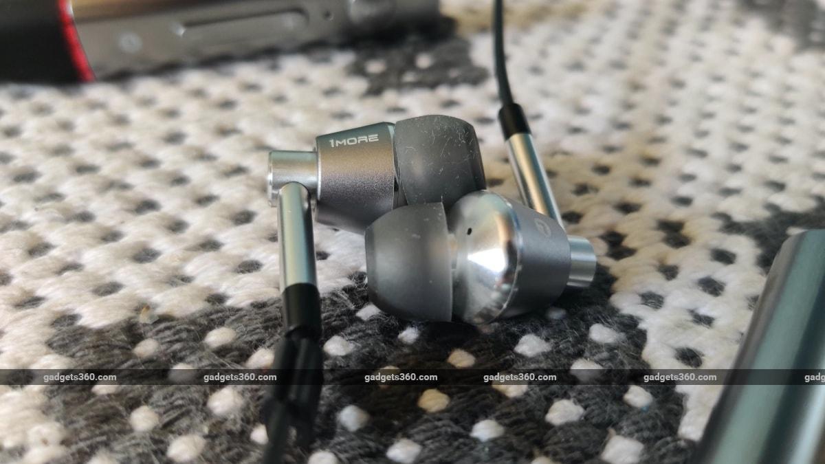 1more triple driver bt review earphones 1More