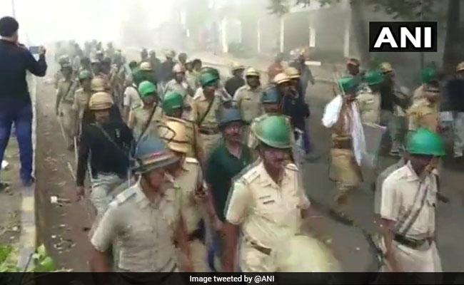 महाराष्ट्र के औरंगाबाद में दो गुटों के बीच संघर्ष में 2 की मौत, 10 पुलिसकर्मी सहित 30 घायल