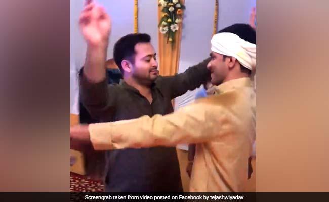 लालू के बेटे तेज प्रताप यादव की शादी, तेजस्वी ने Video शेयर कर लिखा- देसी ब्वॉय ऑन द फ्लोर