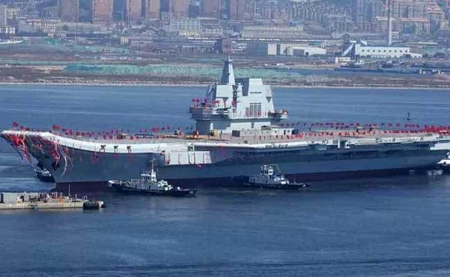 चीन ने पहला स्वदेशी विमान वाहक पोत परीक्षण के लिए उतारा