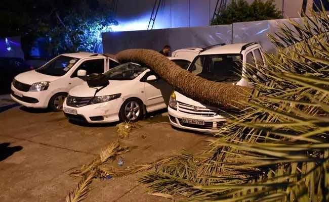 तूफ़ान ने बरपाया कहर: देशभर में 70 लोगों की मौत, मौसम विभाग ने जारी की ऑरेंज कैटेगरी की चेतावनी, 10 बातें