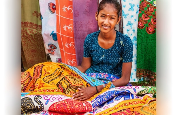 Amazon Saheli Store: Handcrafted Clothing and Accessories From Women Entrepreneurs
