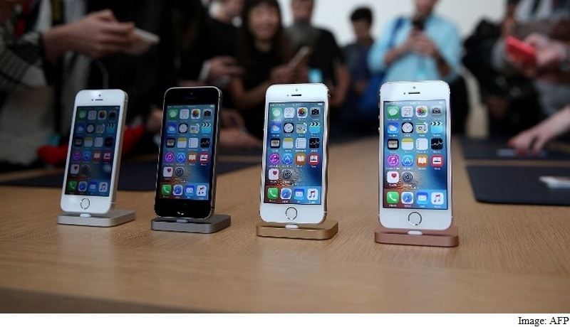 iPhones Worth $13,000 Stolen From Apple Store by Teens