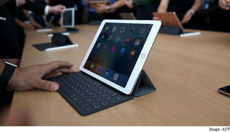 Tablet Market Shrinks as Demand Grows for Hybrids, Says IDC