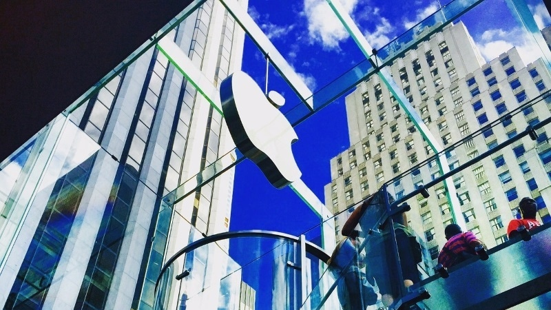 Apple Shows Up as Exhibitor at MWC 2017, Then Disappears