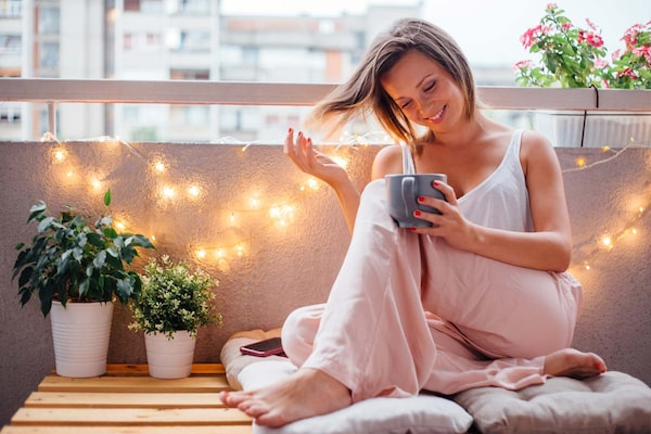 Smart Ideas To Decorate Your Balcony
