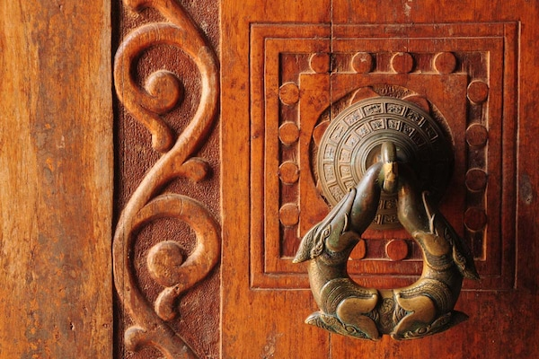 Best Antique Door Knockers: For A Well Crafted Home Decor