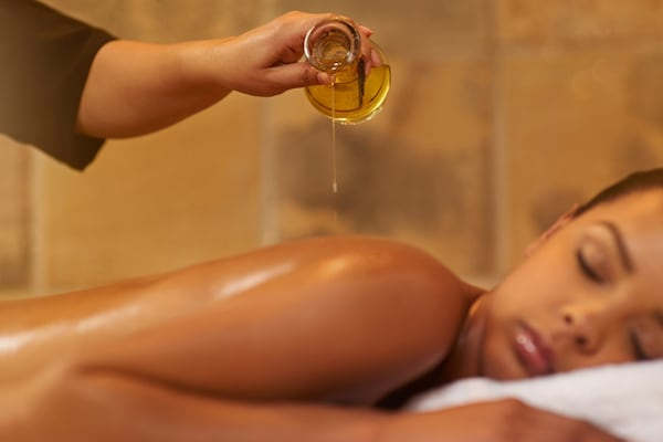 Best Body Massage Oils: Time To Enjoy Relaxing Massages