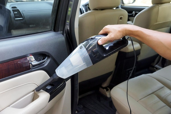 Best Vacuum Cleaners For Cars and Rigid Spaces