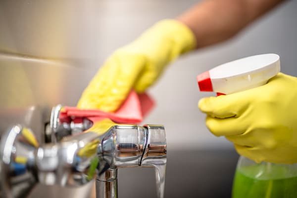 Best Faucet Cleaners: Perfect Solution To Remove Nasty Stains