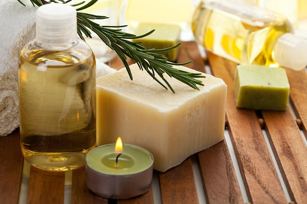 10 Best Herbal Soap in India 2020: Natural Soap to Stay Germ Free