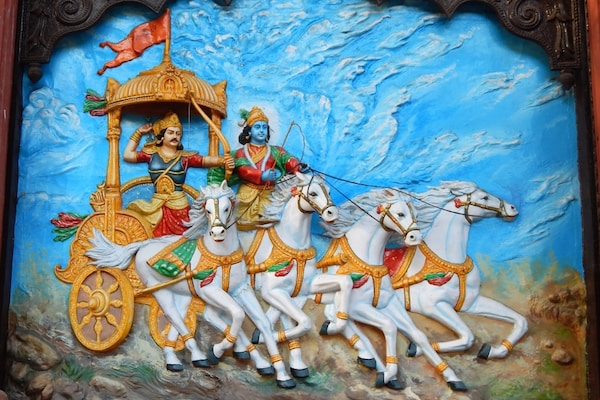 5 Books You Must Read For Better Understanding Of the Hindu Epic- The Mahabharata