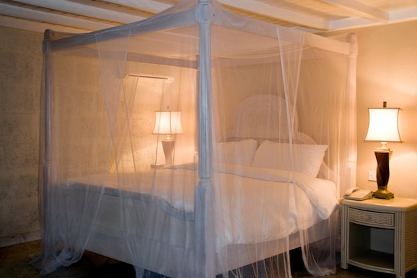 Best Double Bed Mosquito Nets to Save Your Family from Those Harsh Bites