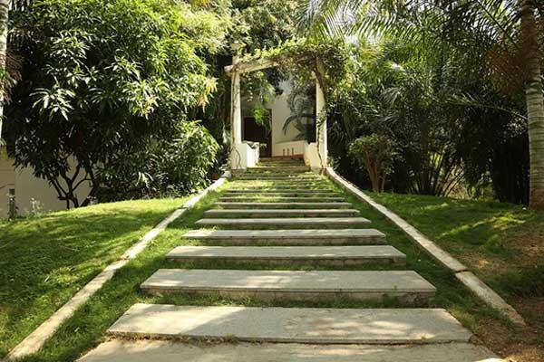 Best Resorts in Hyderabad- Lahari Resort