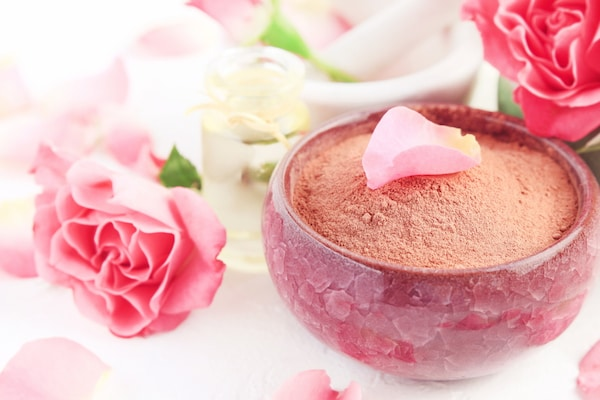 Rose Petal Powders For Skin: Rosy-Pinkish Glow Is No More A Dream