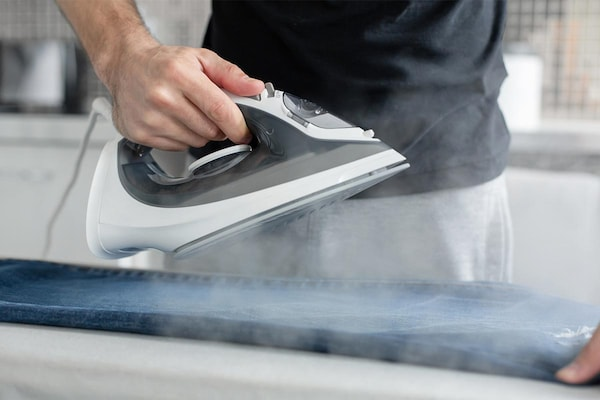 Best Steam Irons in India: De-Crease Your Ironing Stress