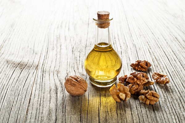 Best Walnut Oils For Hair: Nourish, Strengthen And Flaunt Healthy Hair