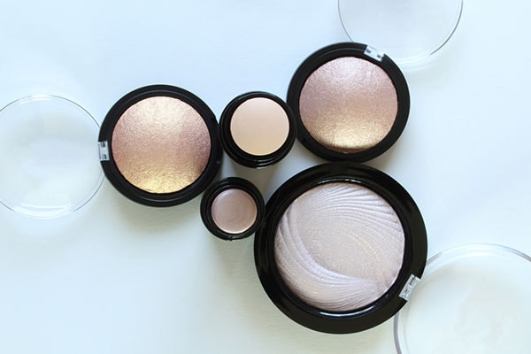 Best makeup products Highlighter 1614110314418
