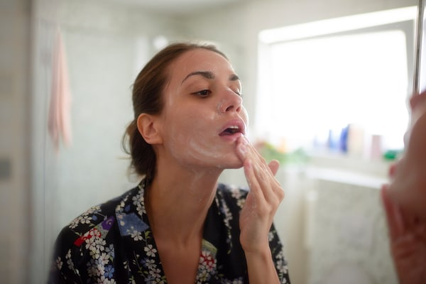 14 Best Face Washes for Oily Skin: A Beginner's Guide to Oil Control