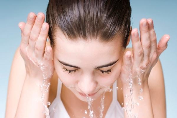 Картинки по запросу woman washing her face