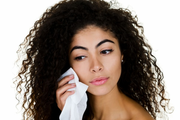 Best Face Wipes: Remove The Nasty Grime From Your Face With One Soft Swipe