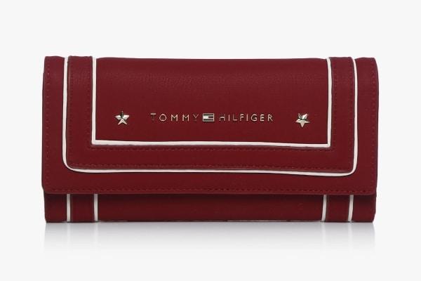 9913ae59c7 Best Leather Wallet Brands For Women- Tommy Hilfiger Wallets Photo Credit   Jabong.com