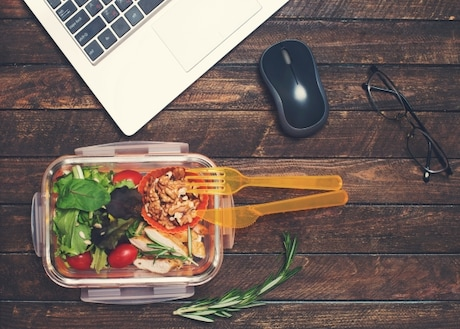 Lunch Box For Office: Time To Say BYE to Plastic Lunch Boxes