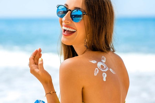 10 Best Sunscreens for Oily, Acne-Prone Skin