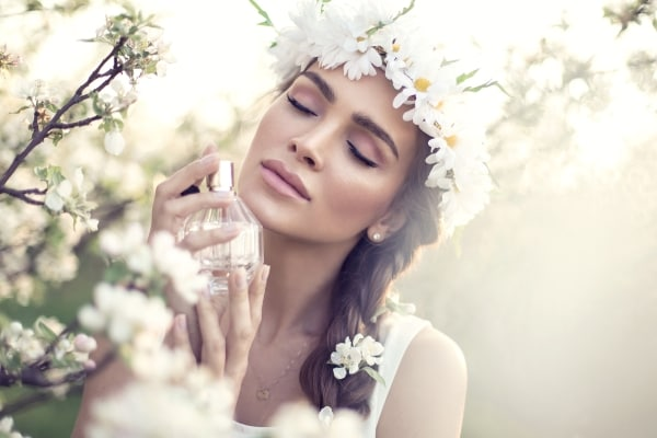 Best Women Perfumes: Find Your Perfect Fragrance Here To Flatter Surroundings