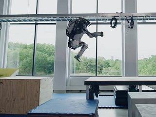 Boston Dynamics Robots Have the Coolest Parkour Moves: Watch Video