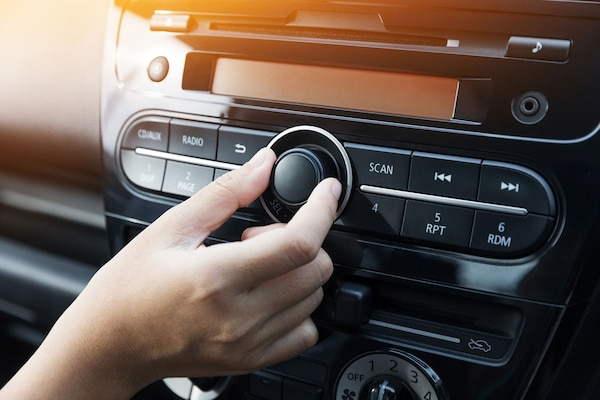 Best Car Music System To Enjoy Unlimited Music On the Go