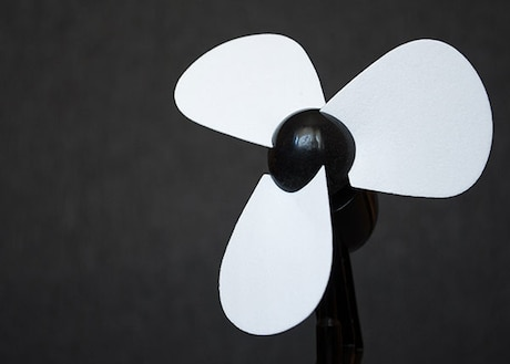 Cordless Fans For Your Next Picnic or Park Visit. Enjoy your Walks A Little More With These Cordless Fans