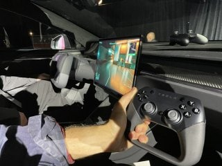 Does Cyberpunk 2077 Run at 'PS5-Level' in Tesla Model S Plaid? Elon Musk Says So