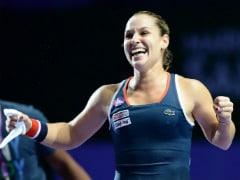 Angelique Kerber to Face Dominika Cibulkova in WTA Finals Title Clash
