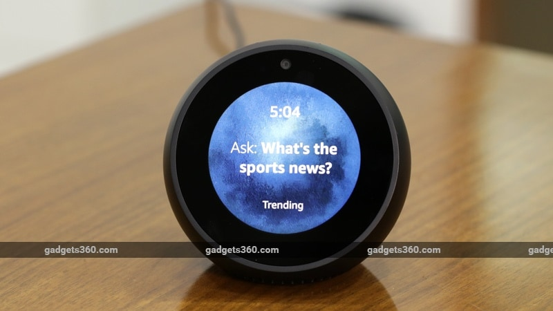 Echo Spot Display 153318 003309 1373 Amazon Echo Spot Review