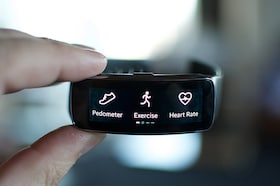 "Best Fitness Band Under 5000 <span class=""rupee"">Rs.</span> in India 2018"