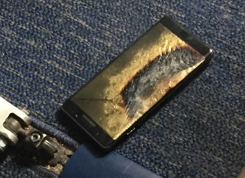 Samsung Galaxy Note 7 Wi-Fi Hotspot Prank Delays Flight, Scares Crew and Passengers