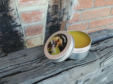 Best Pomade for Men in India - Types Of Pomade, Difference Between Hair Wax and Hair Pomade