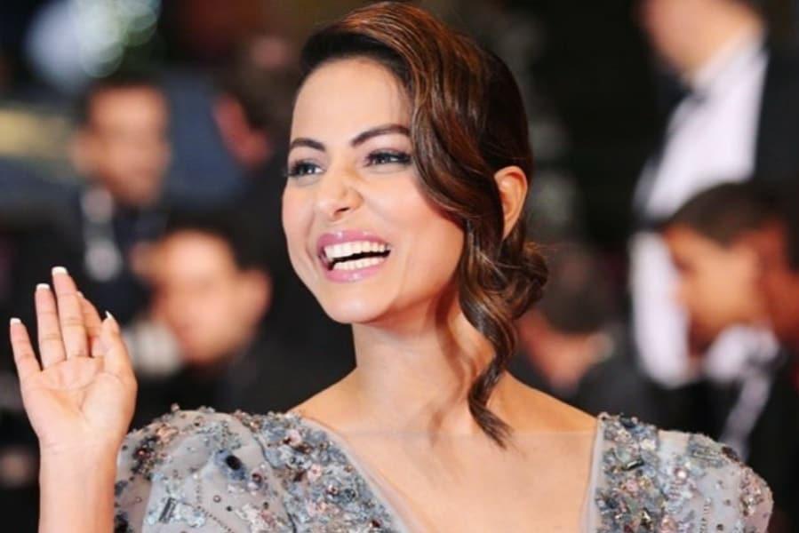 0bcb1a07a95 Hina Khan Cannes Makeup Decoded!   HotDeals 360