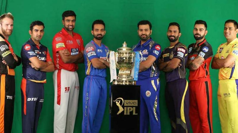 Jio, Airtel, BSNL Offers for IPL 2018 Compared