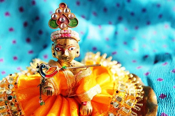 Janmashtami Decoration Ideas 2020: 6 Krishna Janmashtami Decoration Ideas for Krishna, Matki, Jhoolas & Pooja Rooms