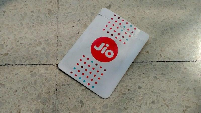 Reliance Jio के ग्राहकों का डेटा चोरी होने की ख़बर, कंपनी ने किया खंडन