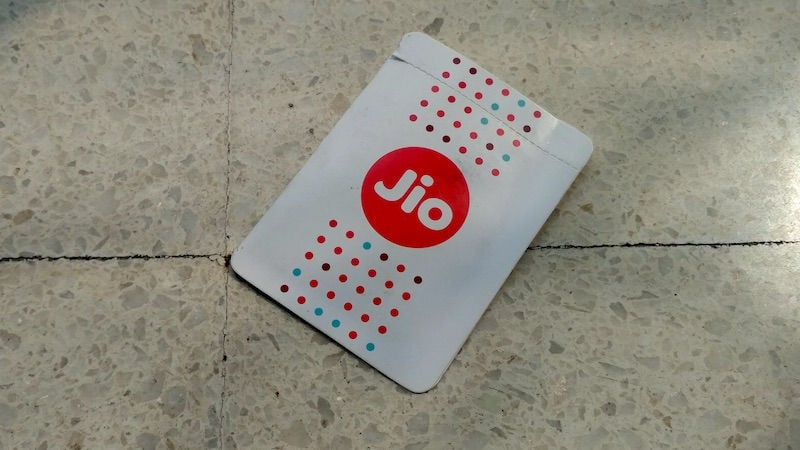 Jio Recharge of Rs. 399 Will Get You 100 Percent Cashback