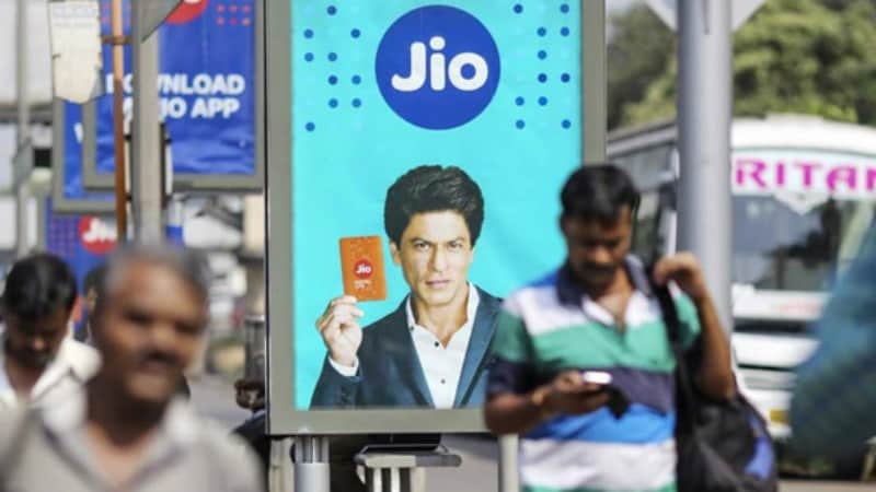 Jio Offering Free 1GB Data With Cadbury Dairy Milk Chocolate
