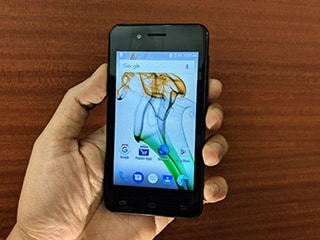 Karbonn A40 Indian Review: Is Airtel's Rs. 1,399 Phone Better Than Jio Phone?